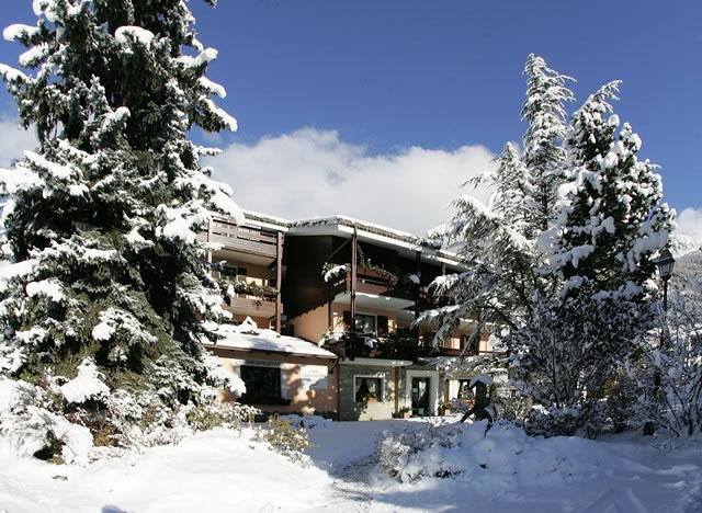 Hotel La Genzianella Ski Accommodation
